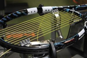 Encordar raqueta de tenis
