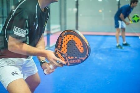 raqueta tenis padel diferencias